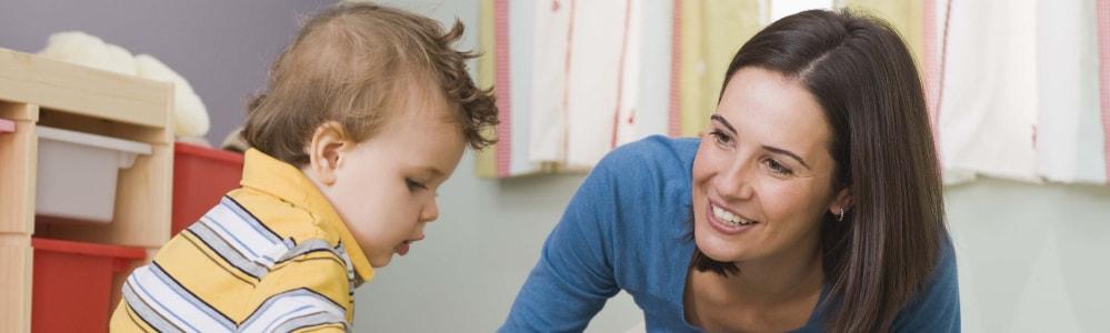Aide et service garde enfants domicile
