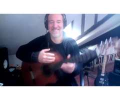 Musicien professionnel donne cours de Guitare, Violon et Alto