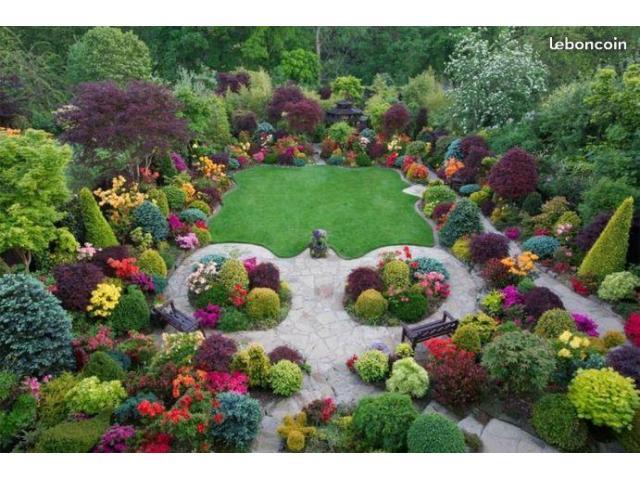Jardinier sérieux pour entretenir votre jardin
