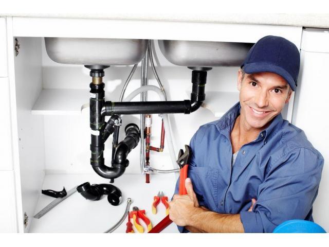 Aide plombier recherché