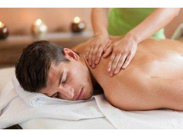Massage à  domicile par masseuse certifiée