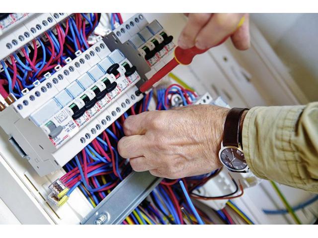 Electricien propose ses services