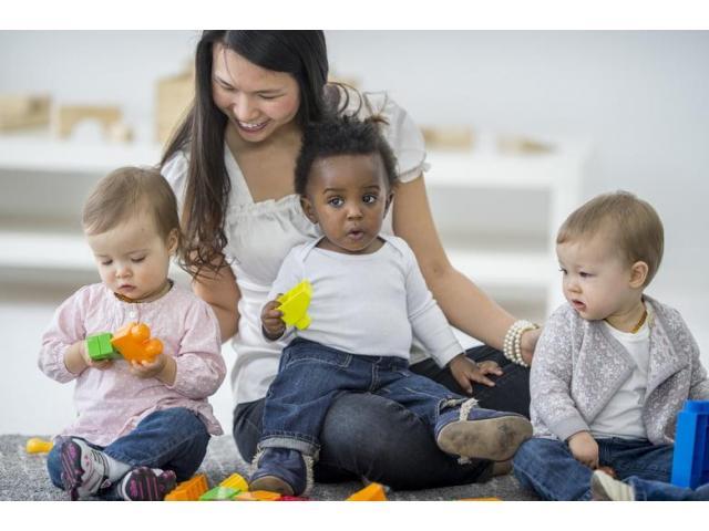 Nous recrutons un(e) babysitter