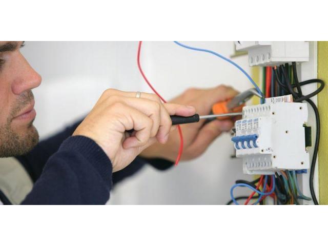 Electricien/ Plombier/ Travaux d'intérieur