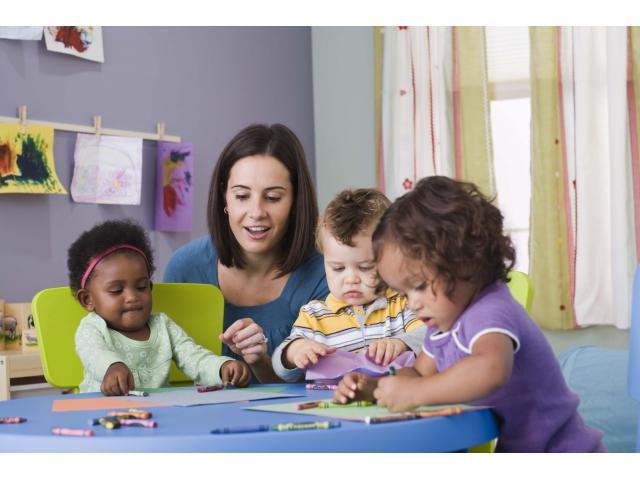 Etudiante cherche travail comme babysitter