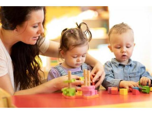 Babysitters bilingues recherchés