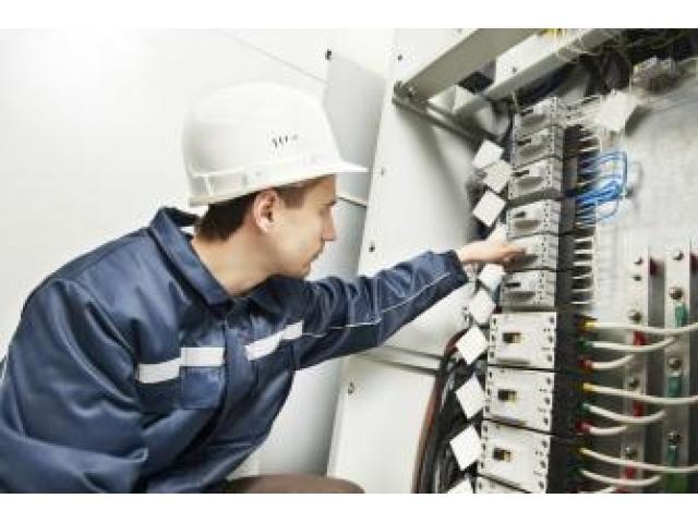Electricien très compétent