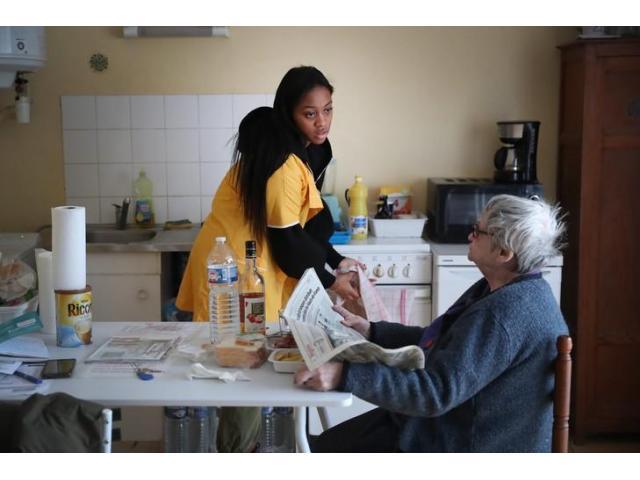 Aide aux personnes âgées à recruter
